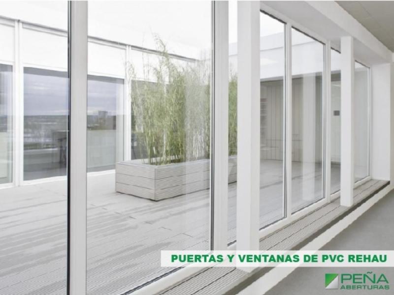Puertas y ventanas de PVC REHAU, una opción de Peña Aberturas