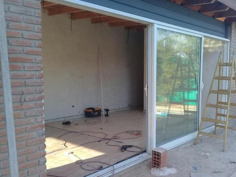 Instalación de aberturas de aluminio en Valle Escondido